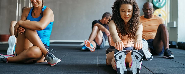 Por que se alongar antes e depois da prática de exercícios?