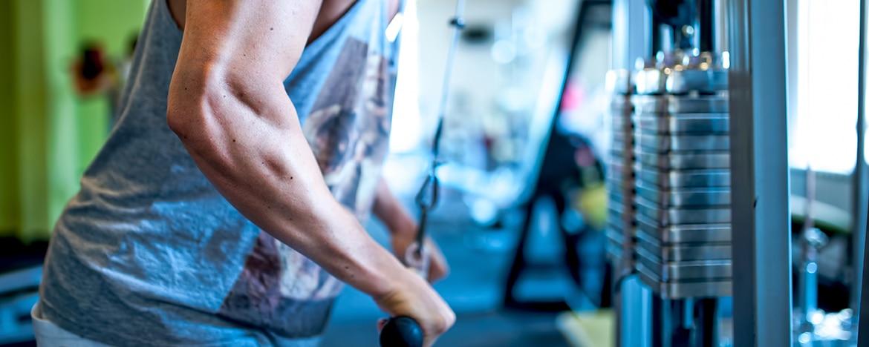 Treinar os músculos secundários na academia vai reduzir lesões